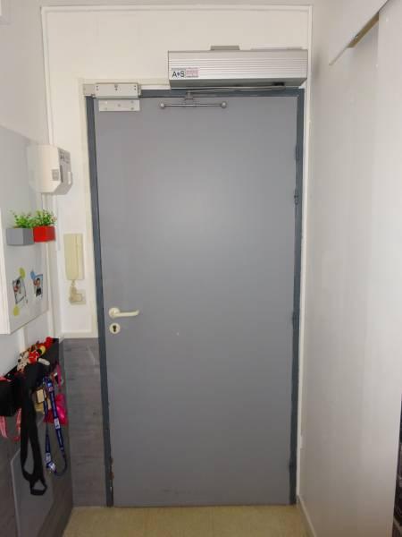 Porte d 39 appartement lectrique et porte d 39 entr e automatique pr s de marseille installation et - Porte d appartement ...
